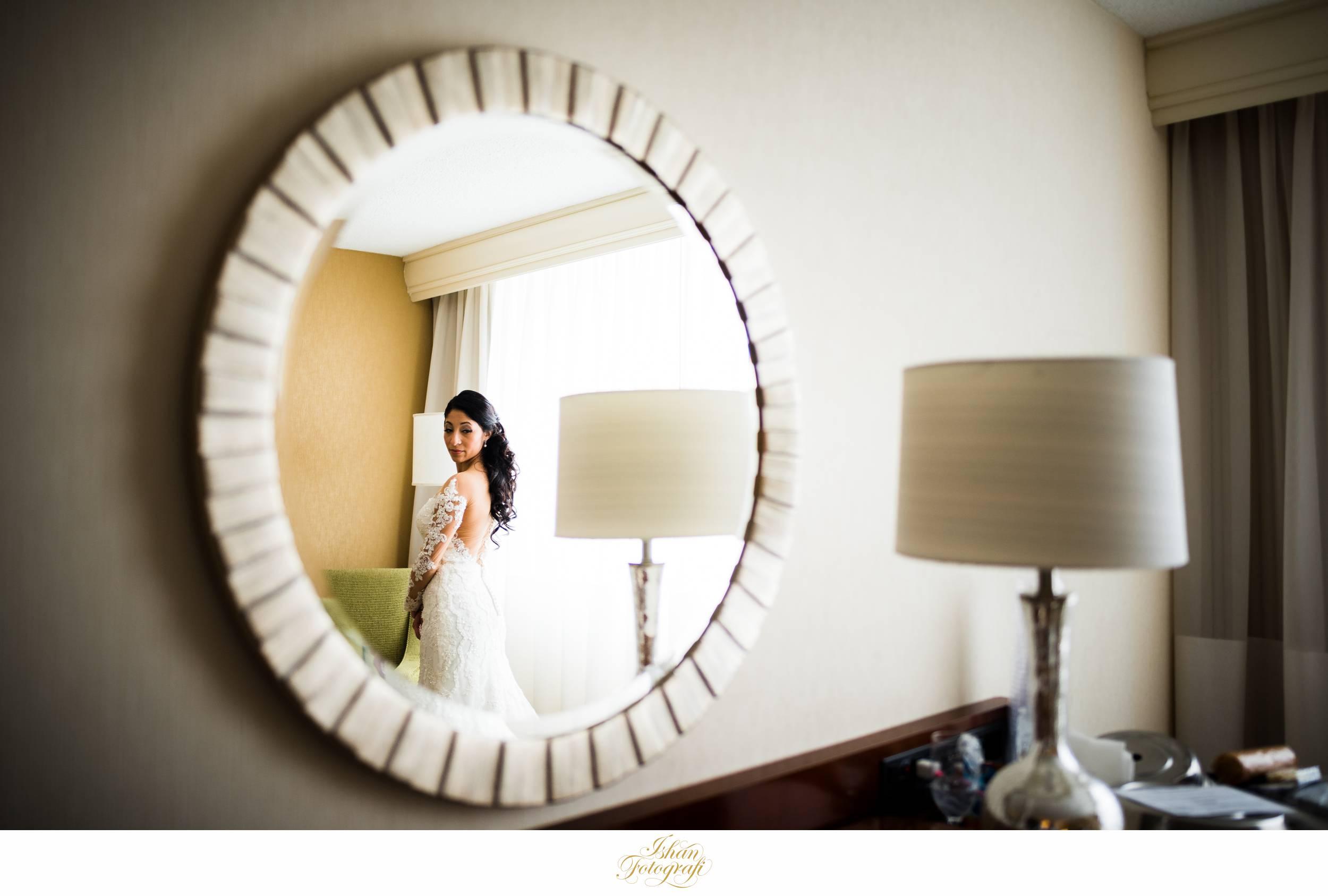 bride-getting-ready-meadow-wood-manor-randolph