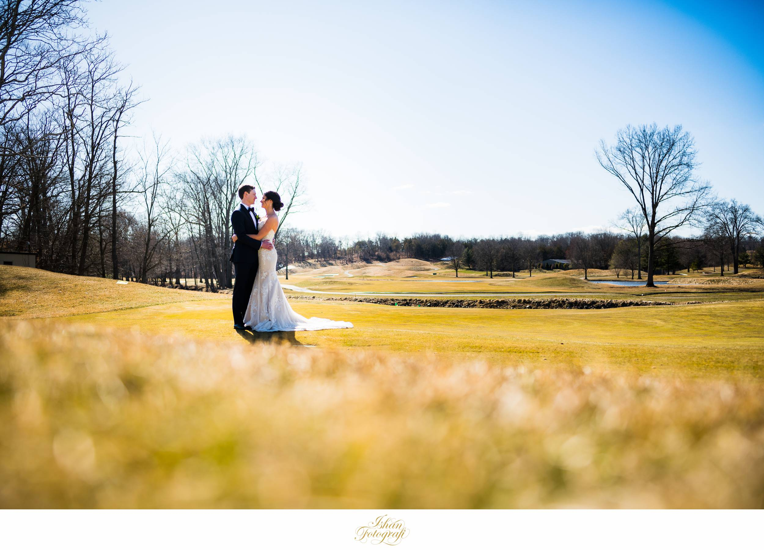 first-look-fiddlers-elbow-country-club-winter-wedding