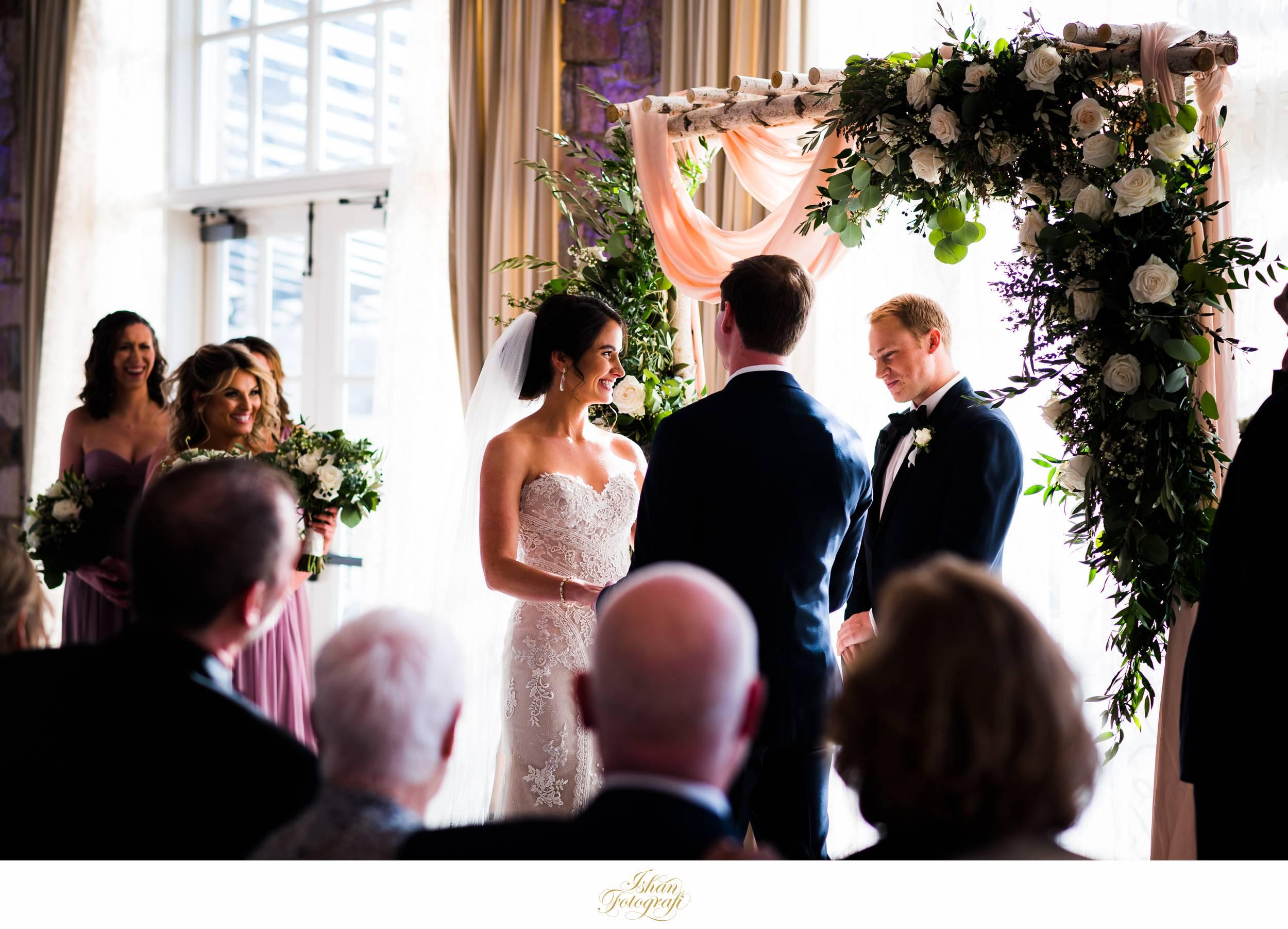 indoor-wedding-ceremony-fiddler's-elbow-country-club