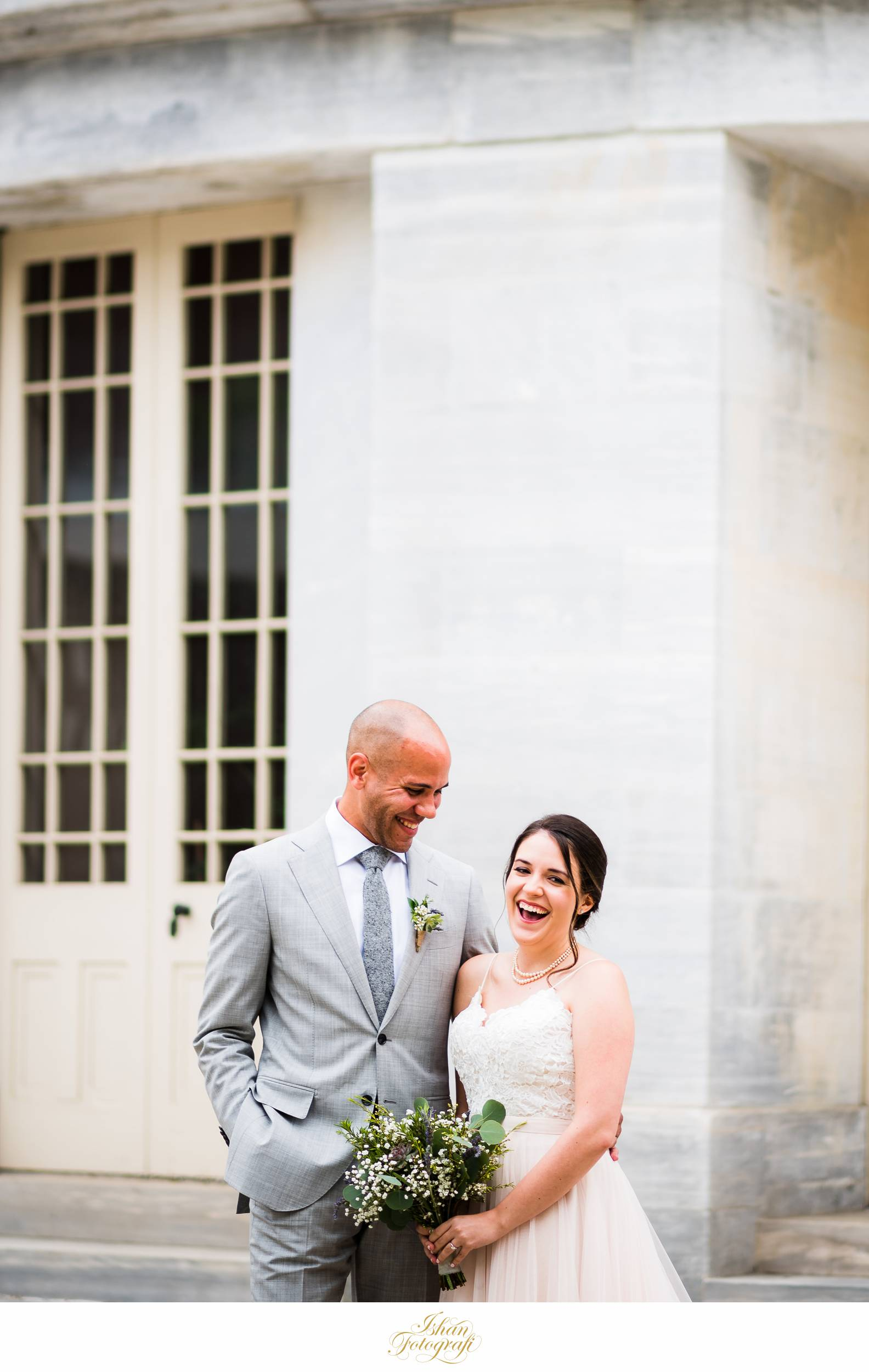 wedding-portraits-merchant-exchange-Philadelphia