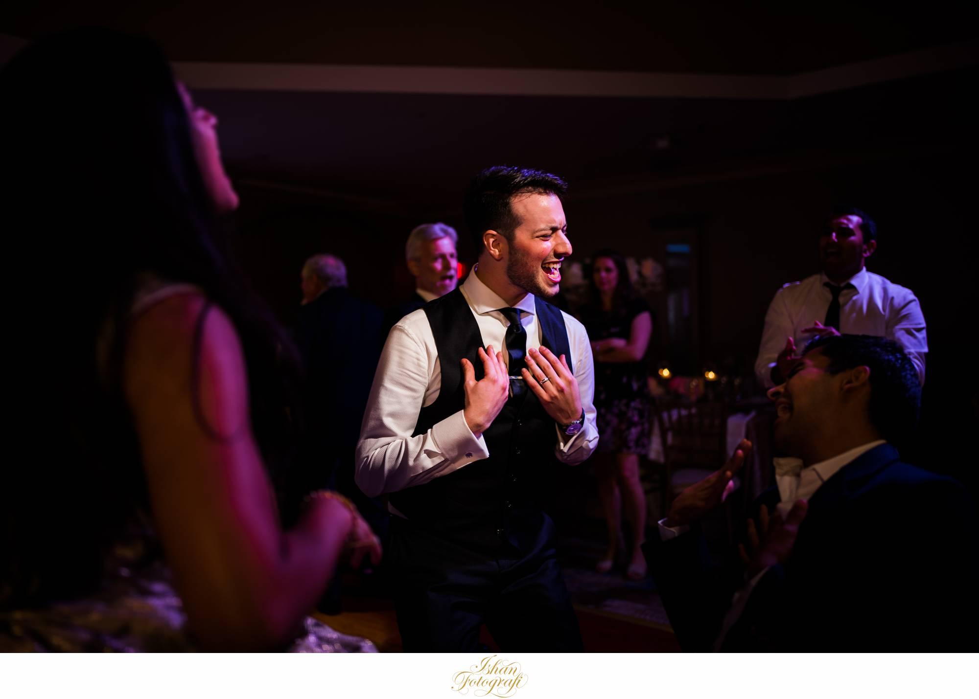 groom-the-marigold-nj
