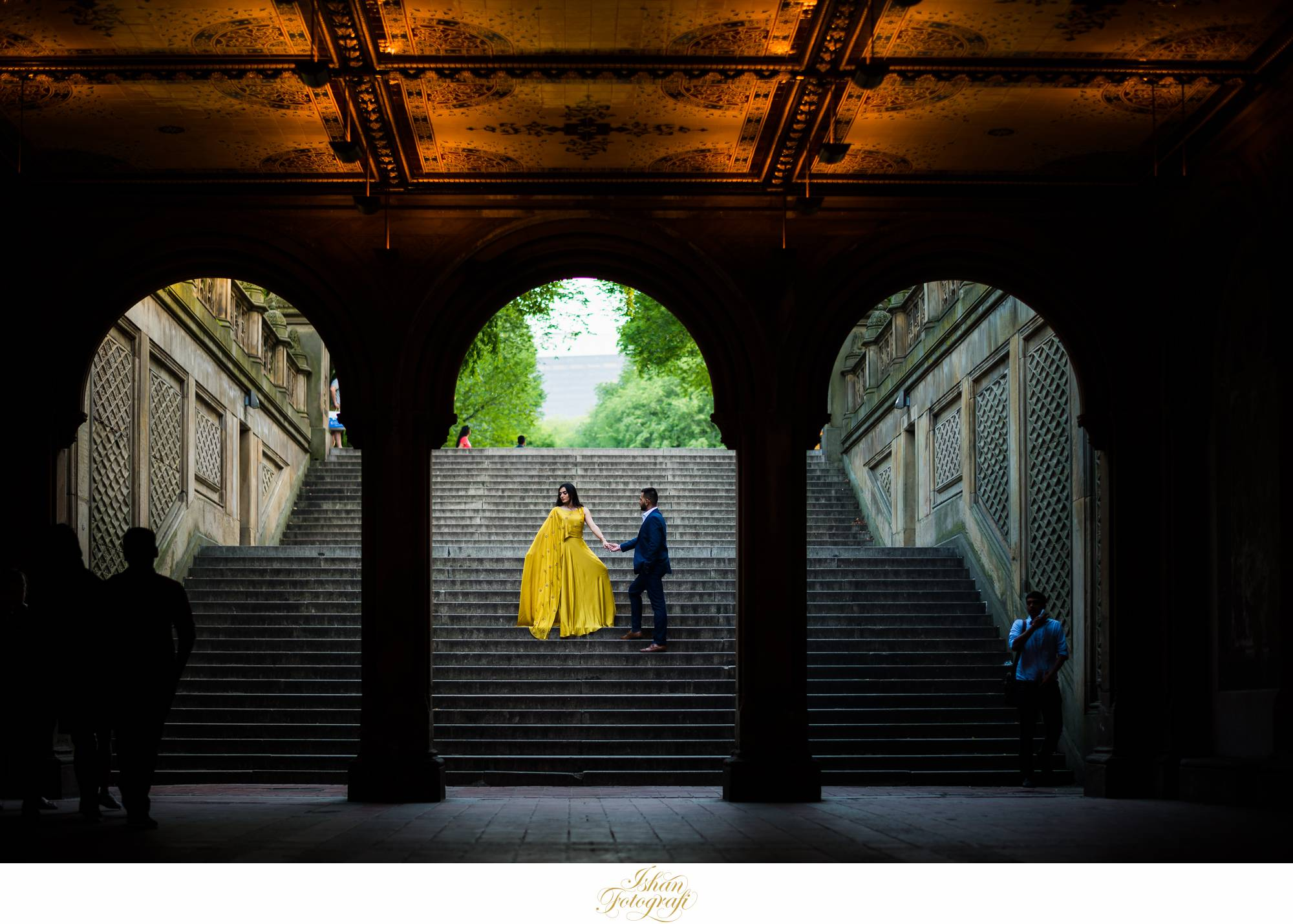 new-york-central-park-engagement-photos
