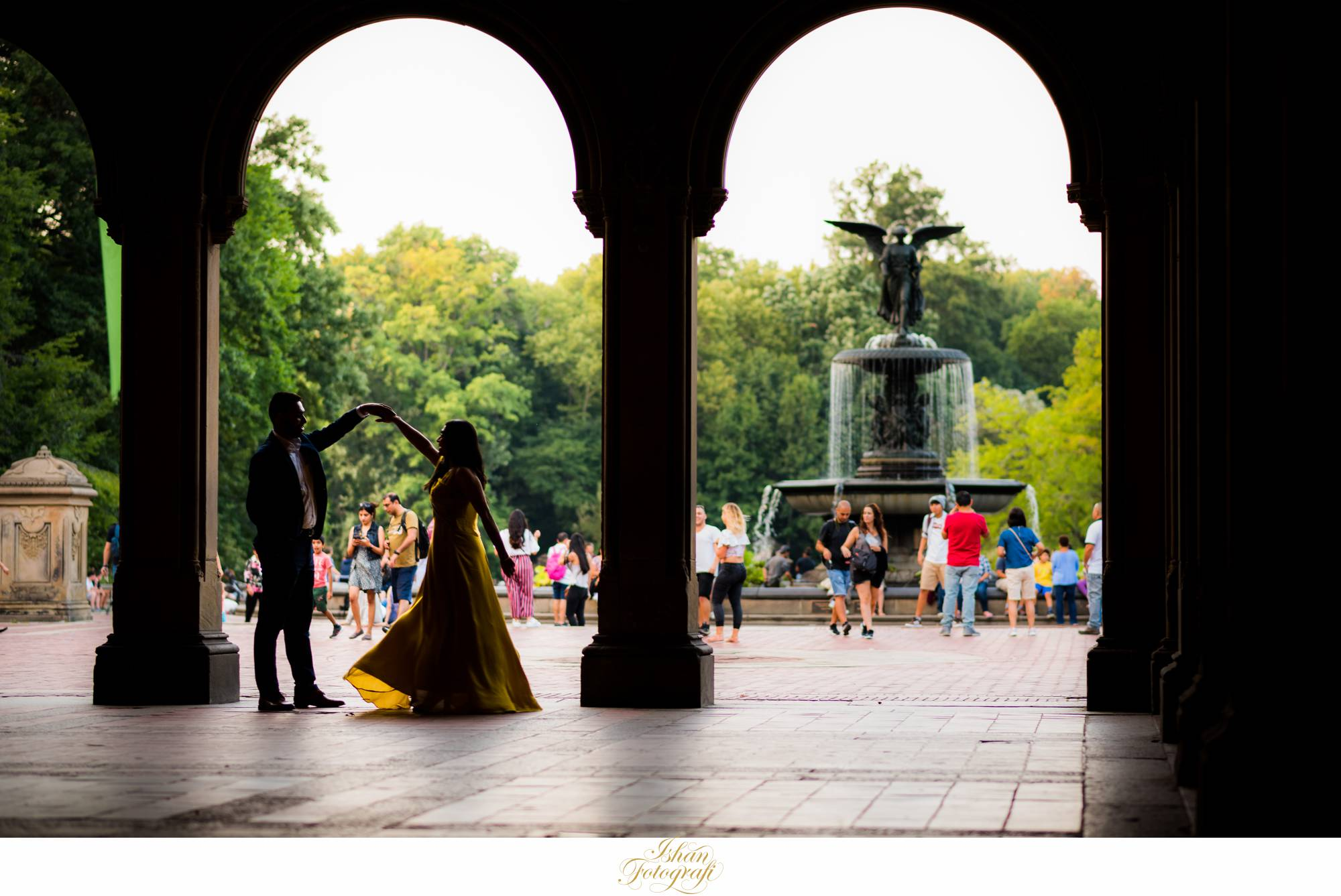best-central-park-location-for-engagement-photos