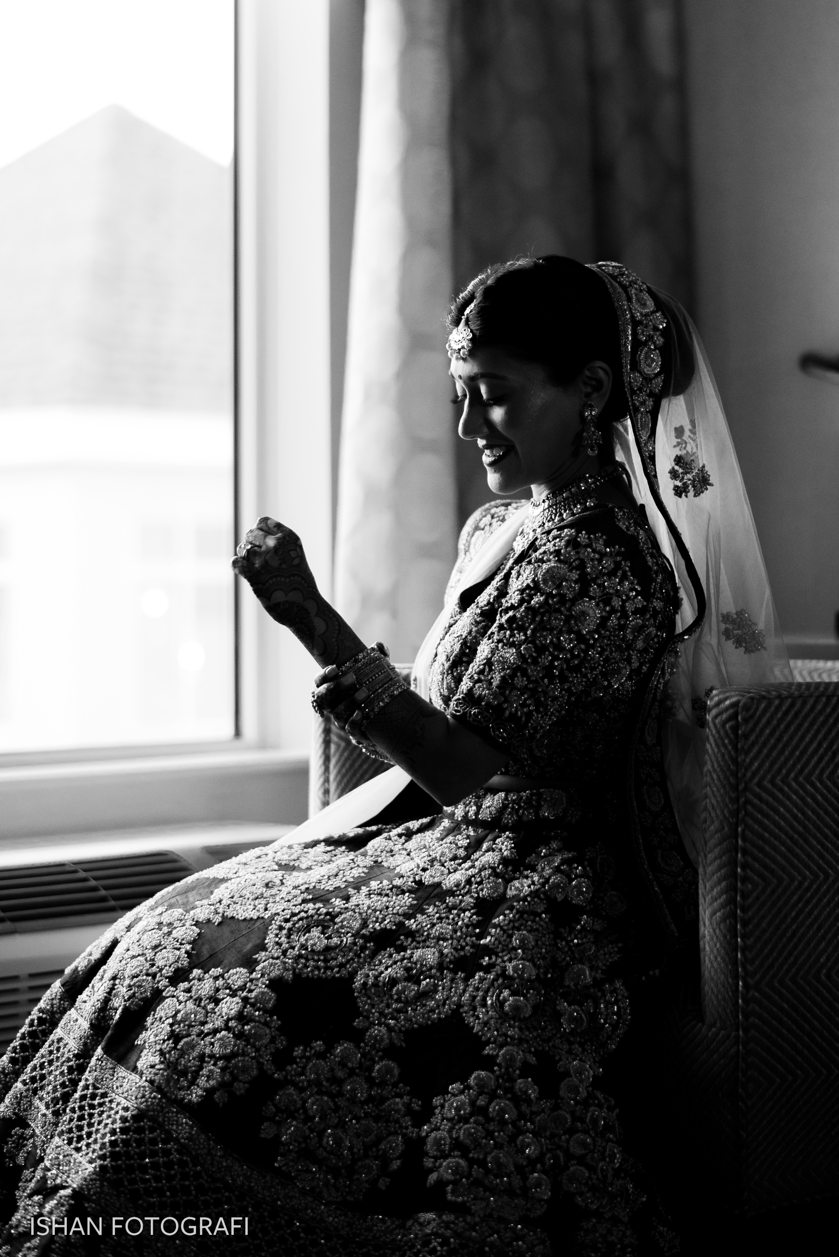 bride-getting-ready-photos-leonard's-palazzo