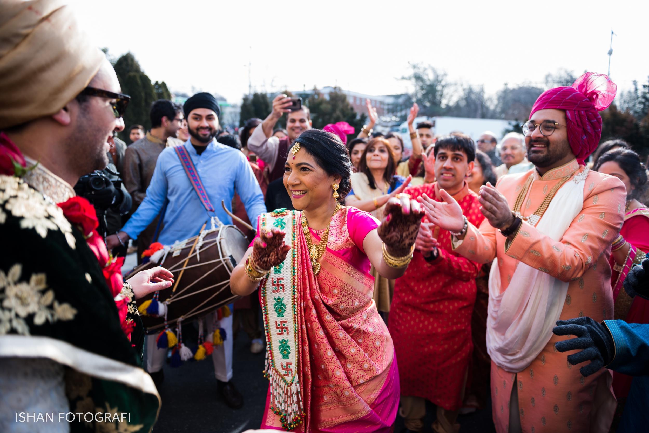 leonard's-palazzo-south-asian-wedding-baraat-photos