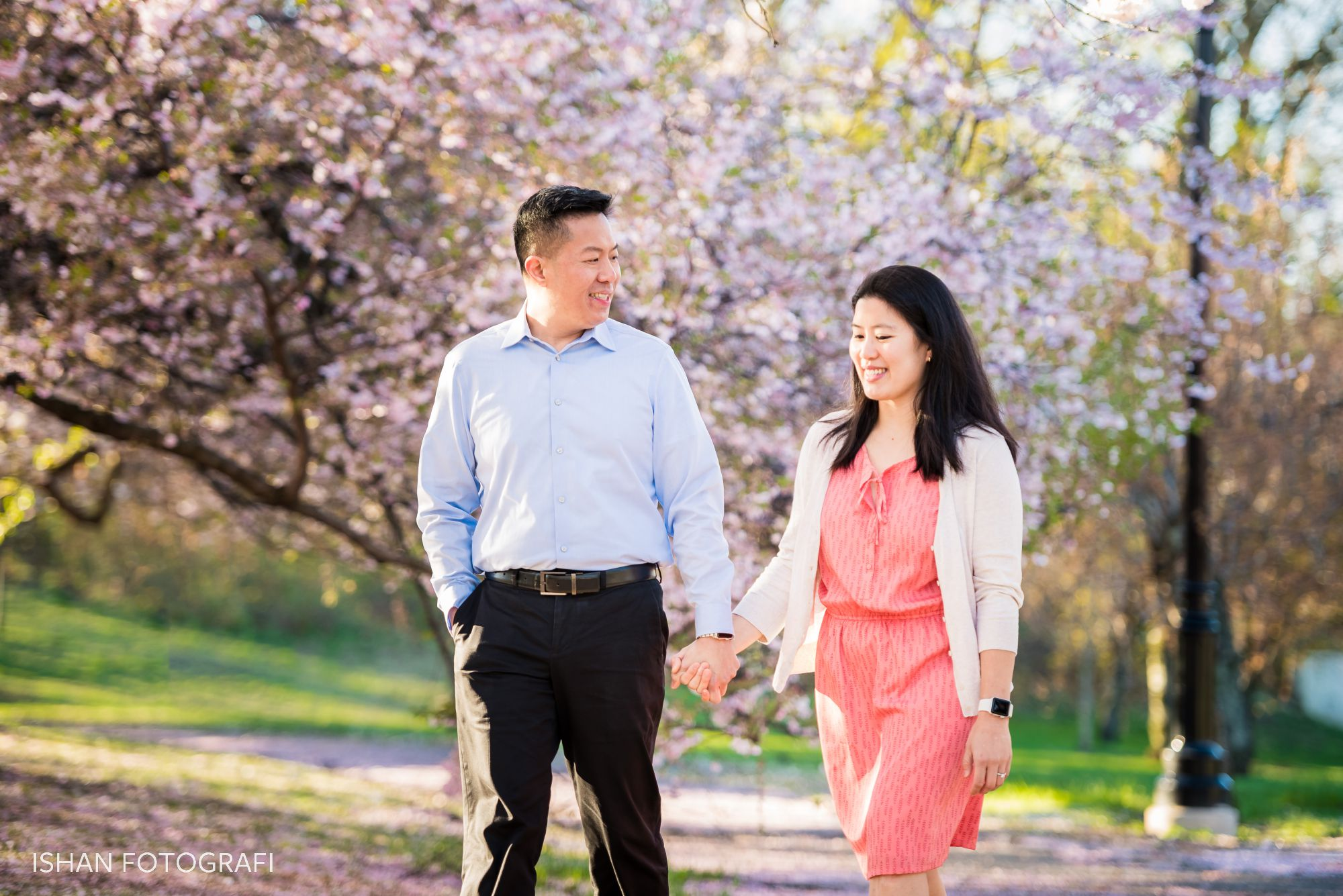 branch-brook-park-cherry-blossoms-engagment-photos