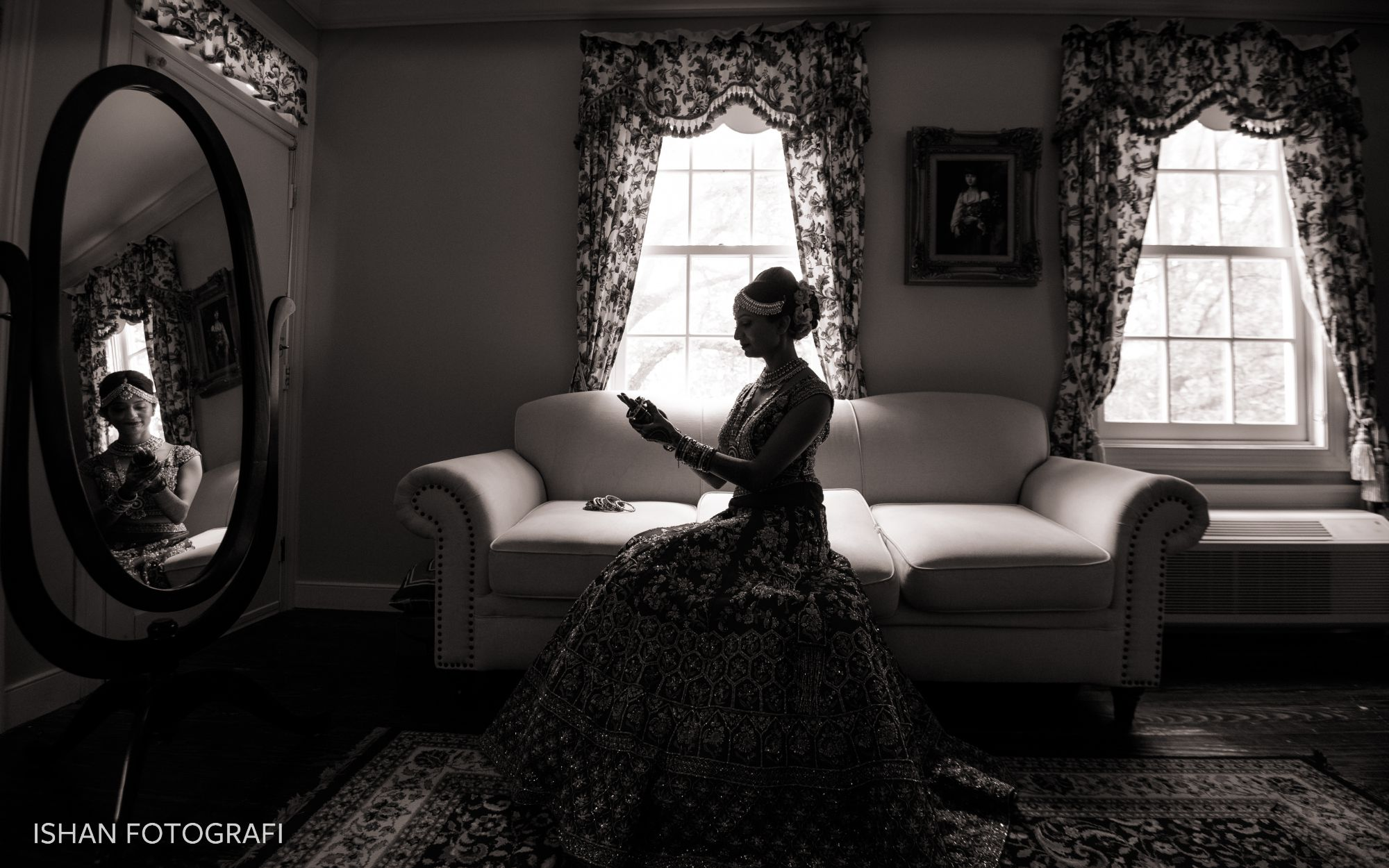 bride-getting-ready-kent-manor-inn