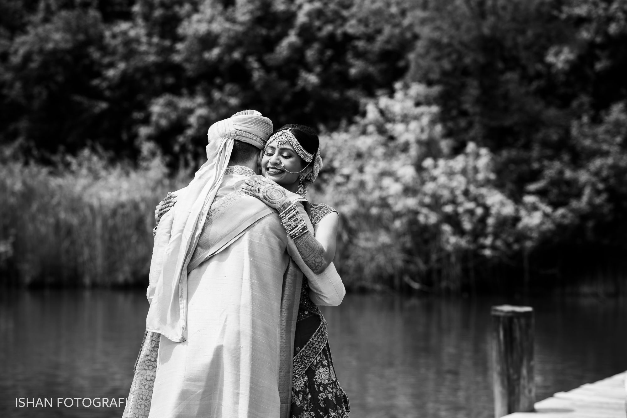 Wedding-first-look-photos-kent-manor-inn