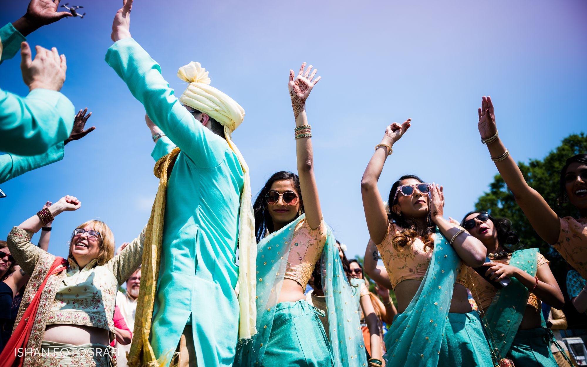 indian-wedding-baraat-kent-manor-inn