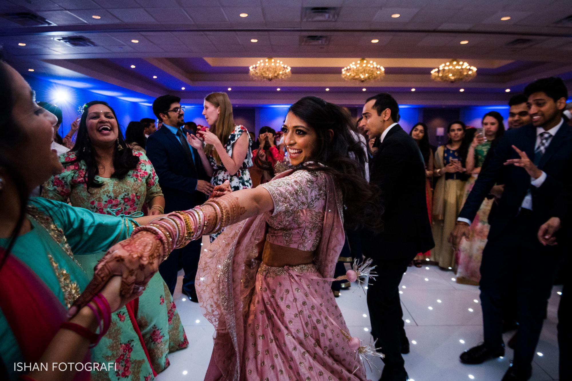 bride-dancing-wedding-reception-sheraton-parsippany