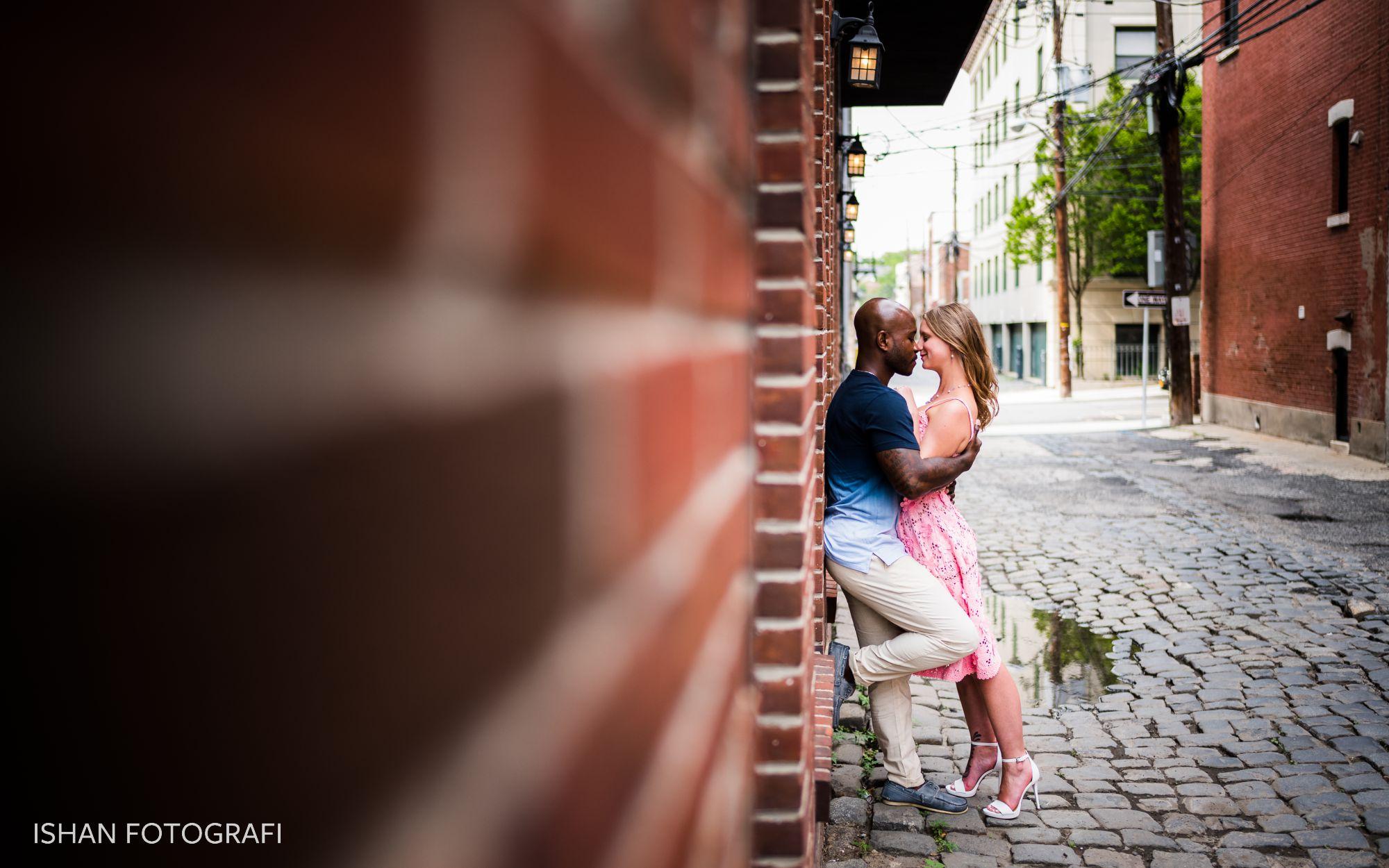 hoboken-cobblestone-street-engagement-photos