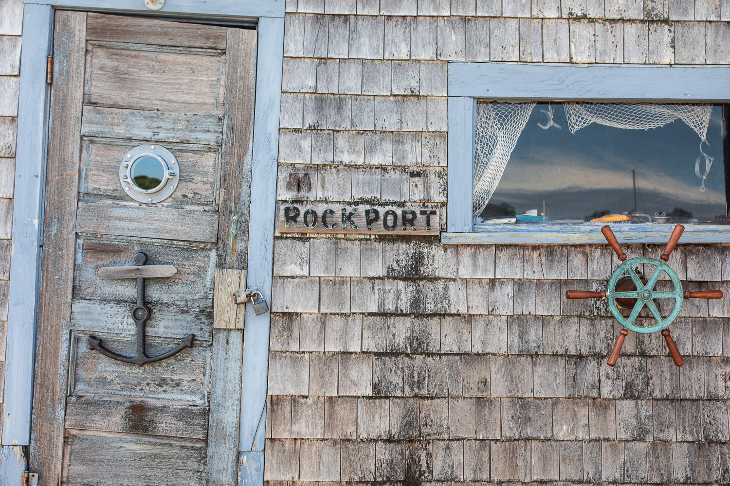 A shed directly across from Motif Number 1 reminds you that you're in a fishing village.