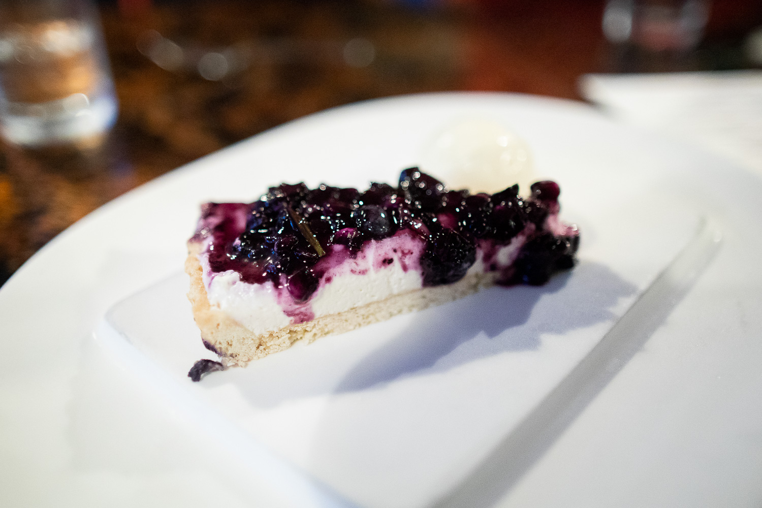 Blueberry cheesecake and ice cream.