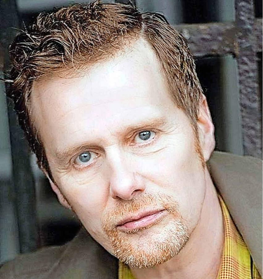 Martin Stiefermann,  Artistic Directorresidence programSchloss Bröllinn e.V.