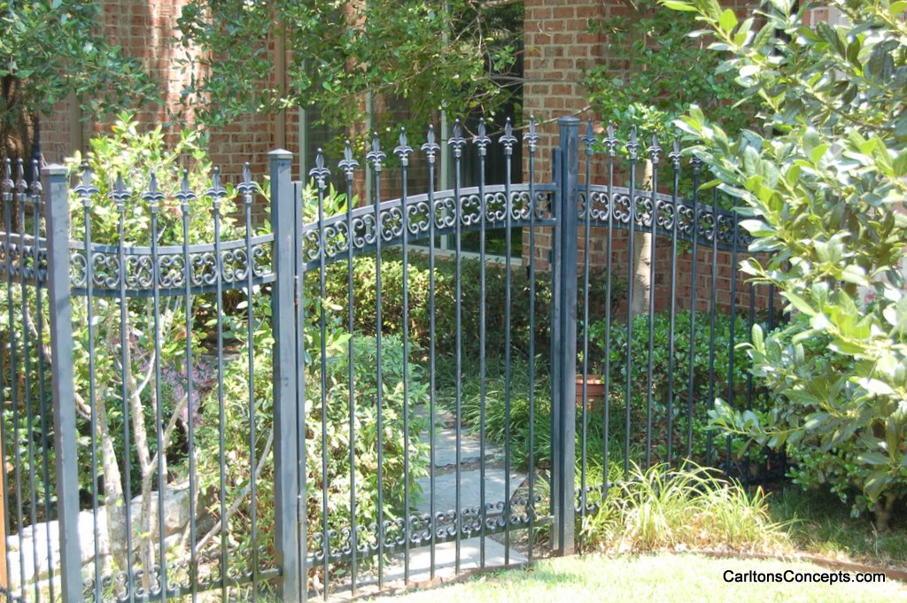 Fence_Gate_Construction_032.JPG