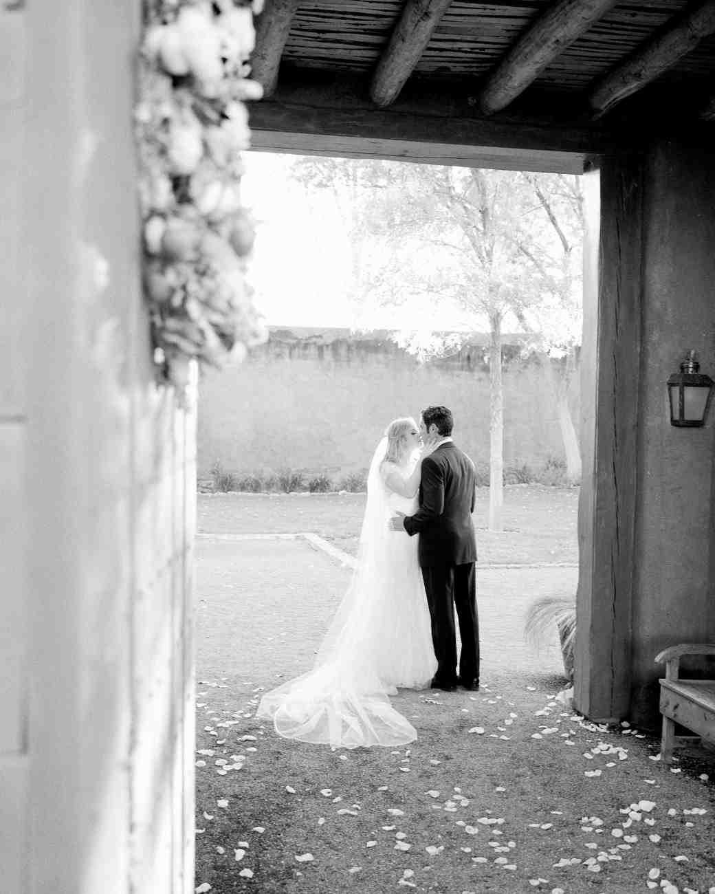 amanda-marty-wedding-marfa-texas-0768-s112329-1115_vert.jpg