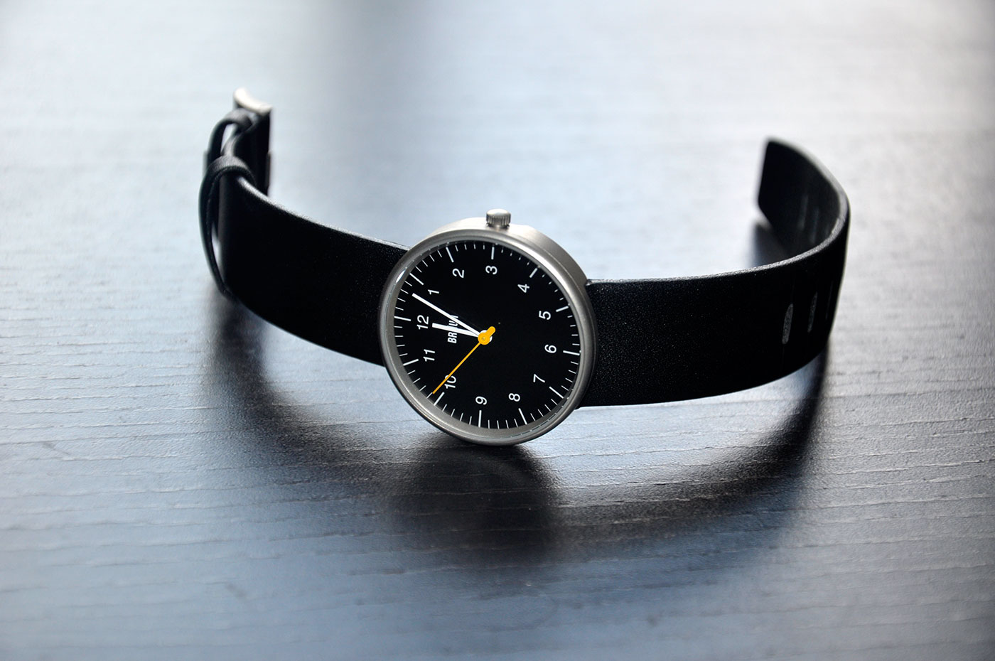 At first sight, the watch is stunning.  Simplistic to its most basic function (and only function), telling the current time.