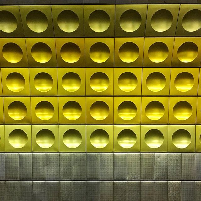 ⚪️⚪️⚪️ #prague #metro #wall #subway #symmetry