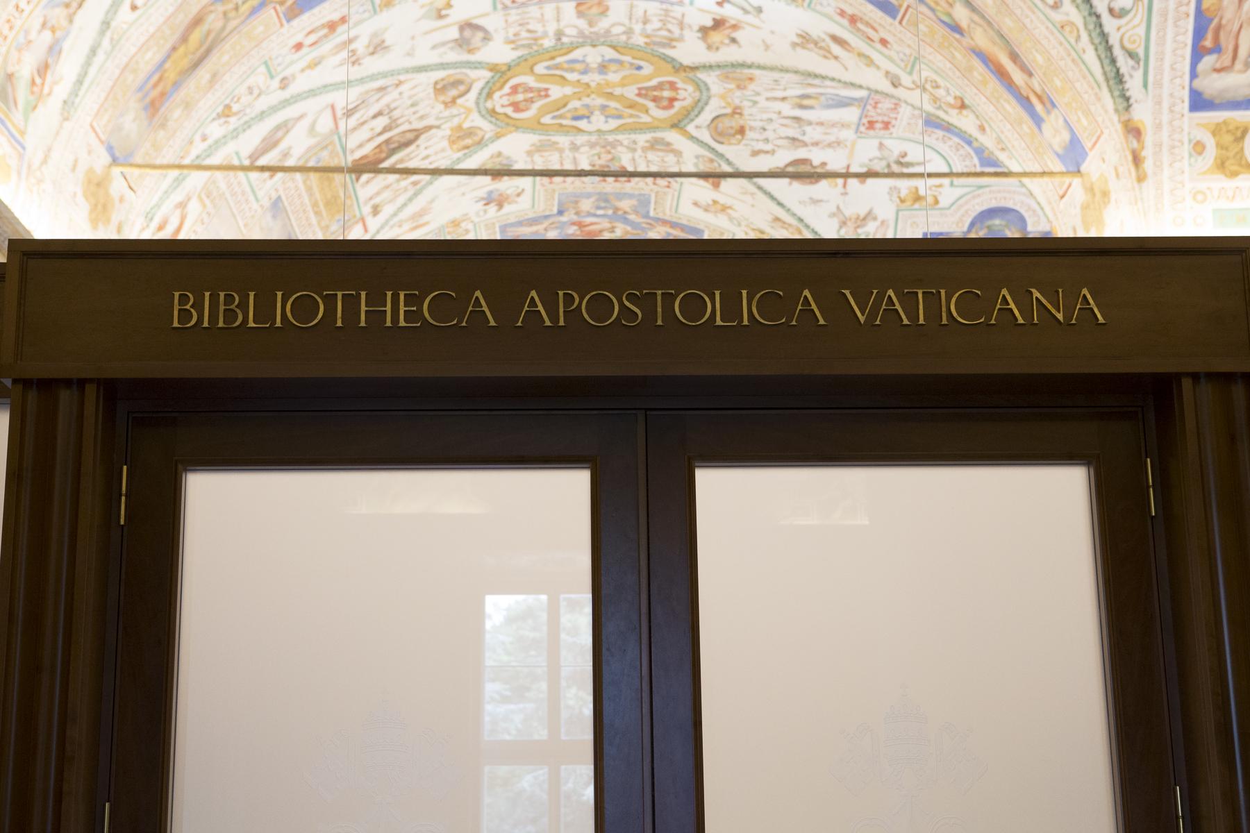 Vatican Museum-11.jpg