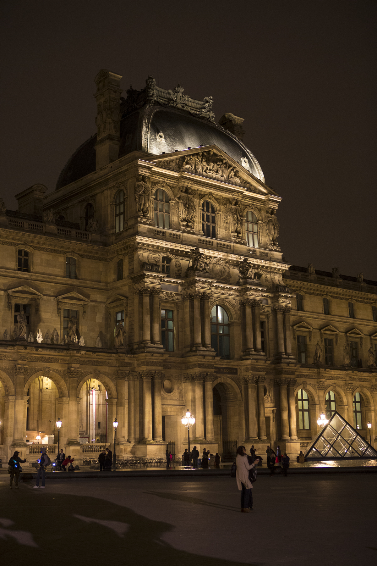 Louvre at night-3.jpg