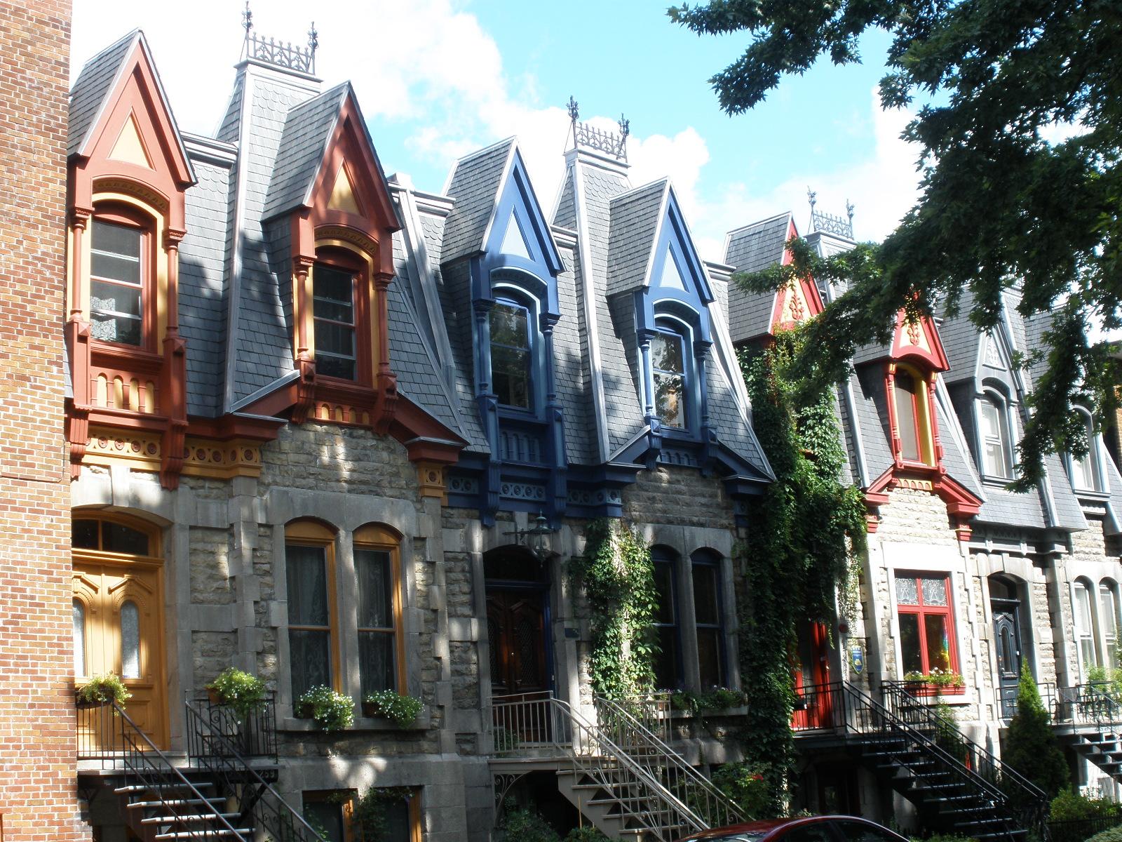 Houses near St Louis Sq.JPG