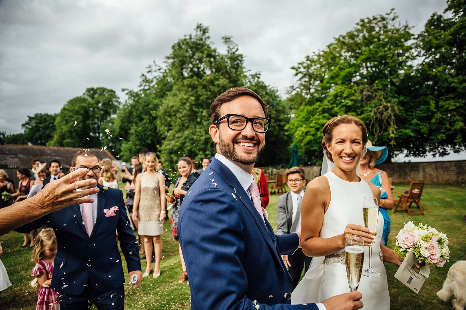 alexvictor-blog-natural-fun-relaxed-documentary-charlotte-jopling-wedding-photography-northamptonshire-home-garden-country-summer-34.jpg