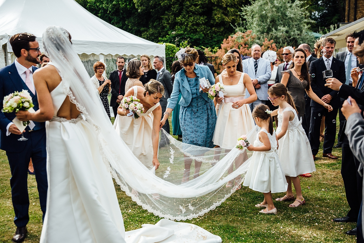 alexvictor-blog-natural-fun-relaxed-documentary-charlotte-jopling-wedding-photography-northamptonshire-home-garden-country-summer-35.jpg