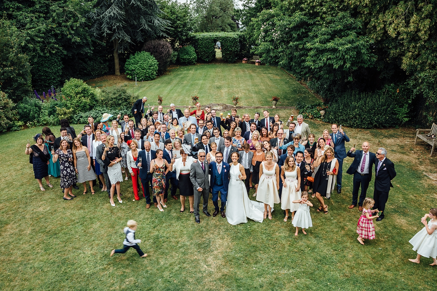 alexvictor-blog-natural-fun-relaxed-documentary-charlotte-jopling-wedding-photography-northamptonshire-home-garden-country-summer-45.jpg