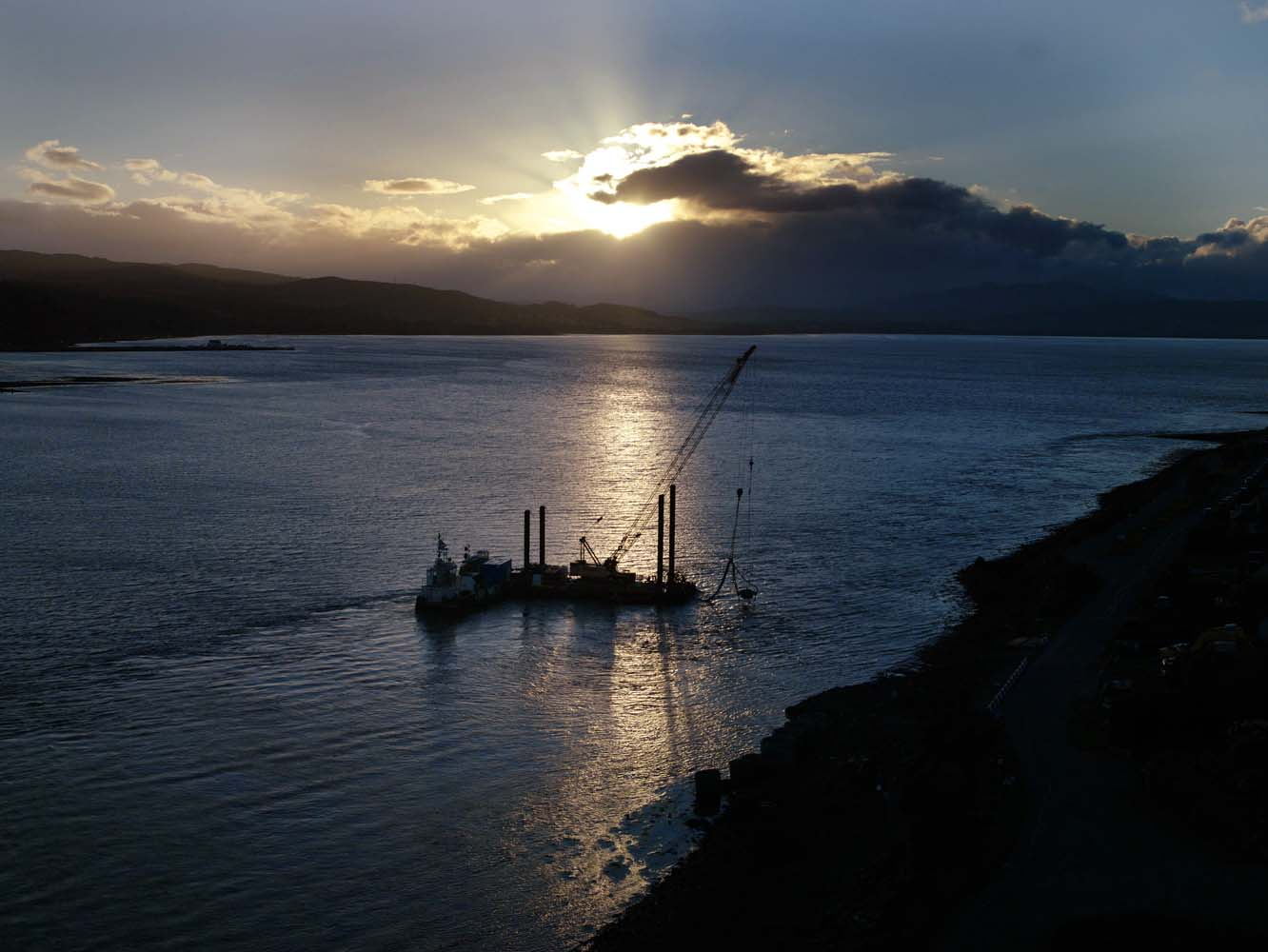 Pipelaying Beauly Firth for Morrison Construction