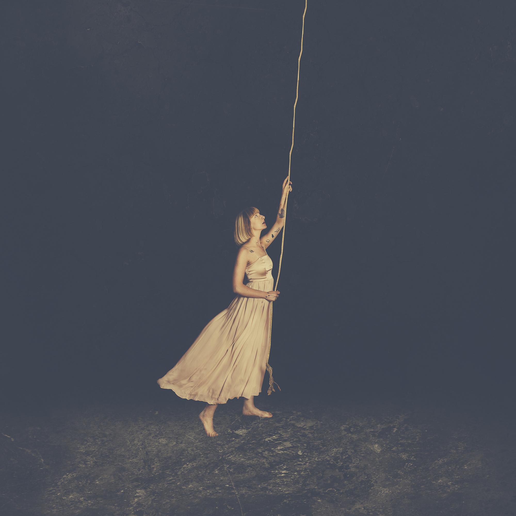 big_rope hang buld.jpg