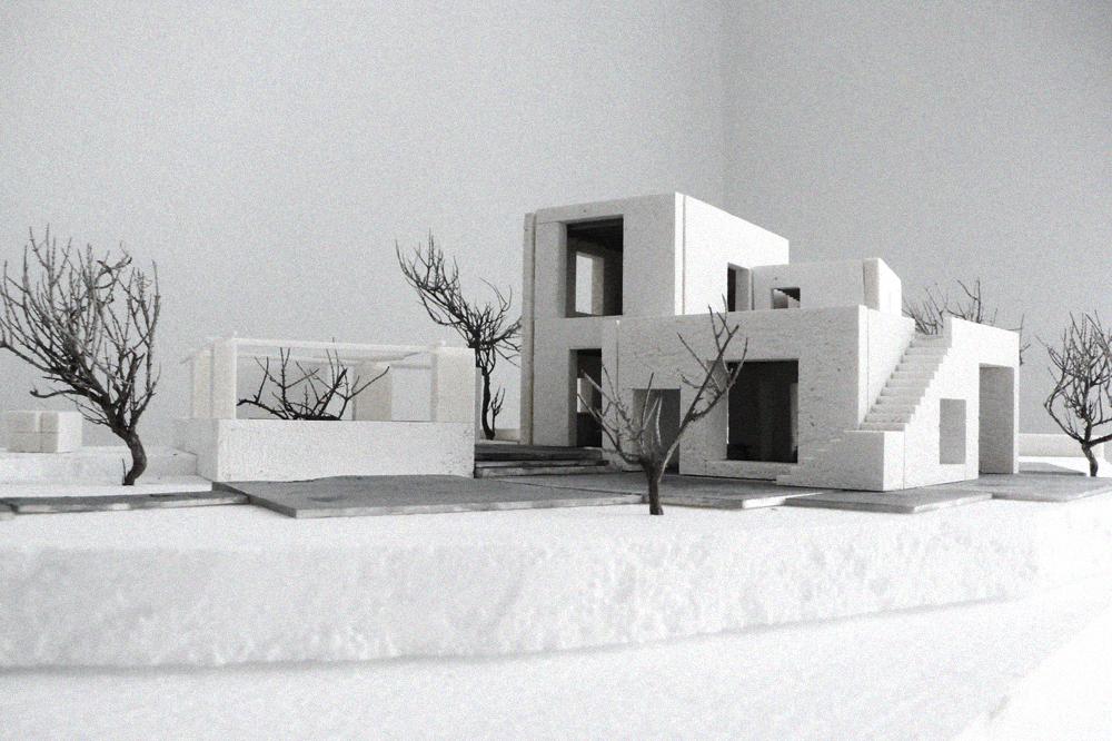 Das Grundstück auf welchem der sommerliche Wohnsitz für eine Familie entstehen soll, liegt im Süden der Insel Sifnos. Starke Hanglage und eine weite Aussicht auf die benachbarten Kykladeninseln.  >>>>