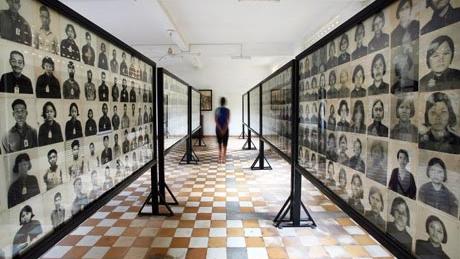 Cambodia-Tuol-Sleng-genoc-001.jpg