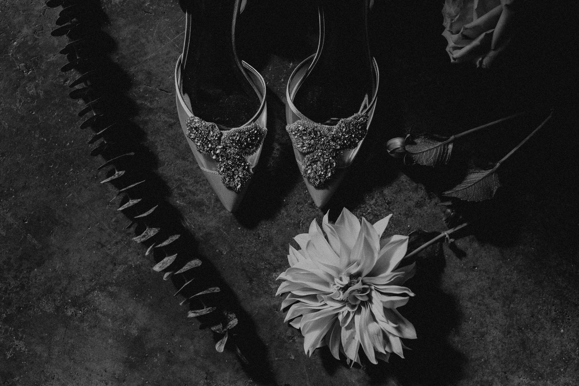 Gretchen Gause Photography | Los Angeles Hudson Loft Wedding #hudsonloft #laweddingphotographer #DTLA #weddingplanning #romanticwedding #weddingdetails #caweddingphotographer #weddingphotography