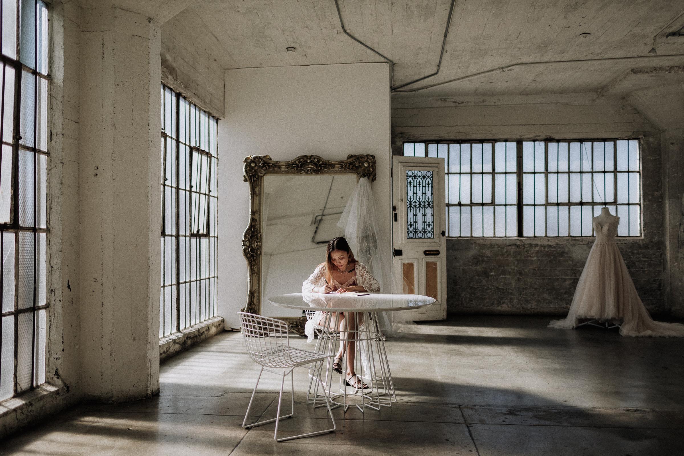 Gretchen Gause Photography | Los Angeles Hudson Loft Wedding #hudsonloft #laweddingphotographer #DTLA #weddingplanning #romanticwedding #rooftopwedding #weddingphotography #weddingdress #vows