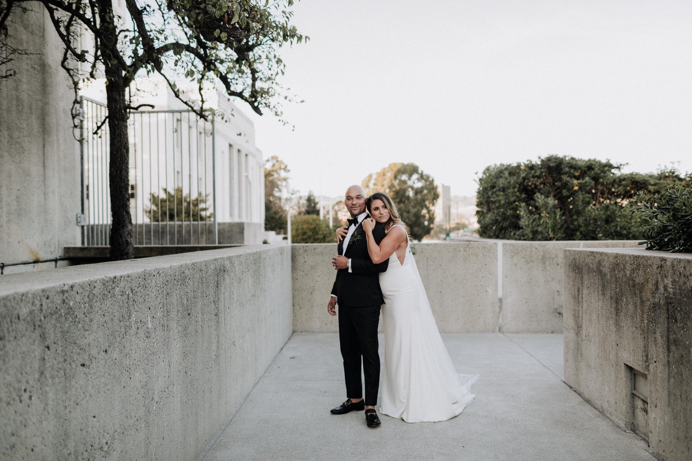Oakland Museum of California Wedding #fallwedding #modernwedding #minimalswedding #BayAreaWeddingPhotographer #weddingprep #weddingday #weddingceremony #weddingdaydetails #brideandgroom