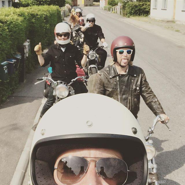 Årets værksteds tur! #sverigeerlækker #bornholm #motorcyklererbarefedere #hephey