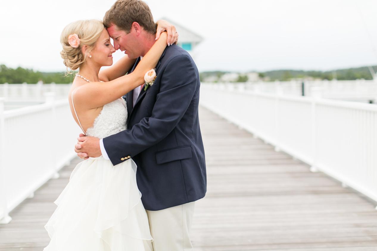 coral-aqua-teal-oyster-farm-eastern-shore-wedding-photo-amanda-hedgepeth-29.jpg