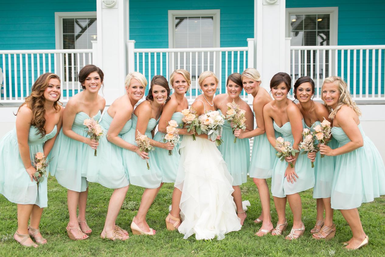 coral-aqua-teal-oyster-farm-eastern-shore-wedding-photo-amanda-hedgepeth-43.jpg