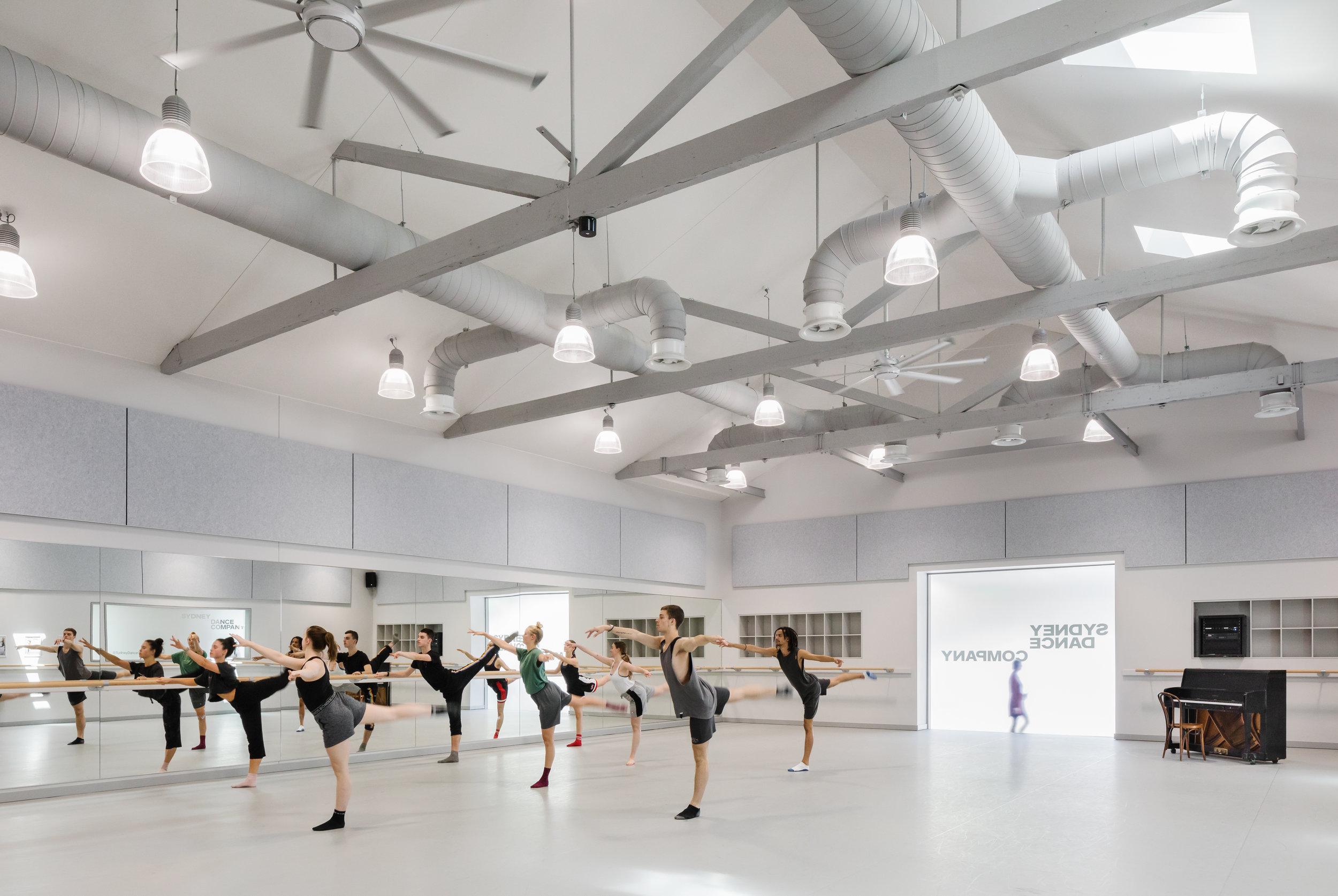 3114-interior_Sydney Dance Company Rehearsal Studios_ Dunn+HIllam Architects_Kat Lu photography_04.jpg