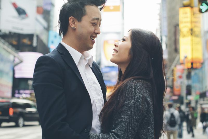 TiffJon-NYC-Timesquare-BrooklynBridge-Grandcentral-CynthiaChung-Engagement-0012