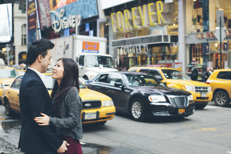 TiffJon-NYC-Timesquare-BrooklynBridge-Grandcentral-CynthiaChung-Engagement-0018