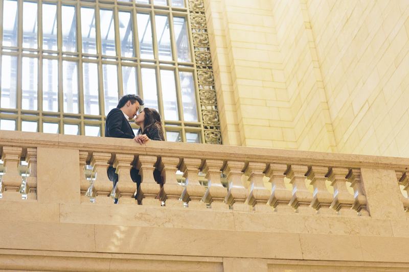 TiffJon-NYC-Timesquare-BrooklynBridge-Grandcentral-CynthiaChung-Engagement-0027