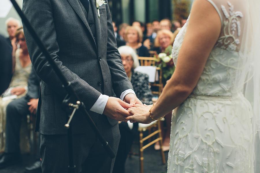 LAURIE-MATT-501-UNION-BROOKLYN-NYC-WEDDING-BLOG-CYNTHIACHUNG-A-0037.jpg