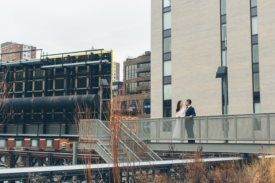 kate-thomas-nyc-highline-chelsea-engagement-photography-session-cynthiachung-0016.jpg