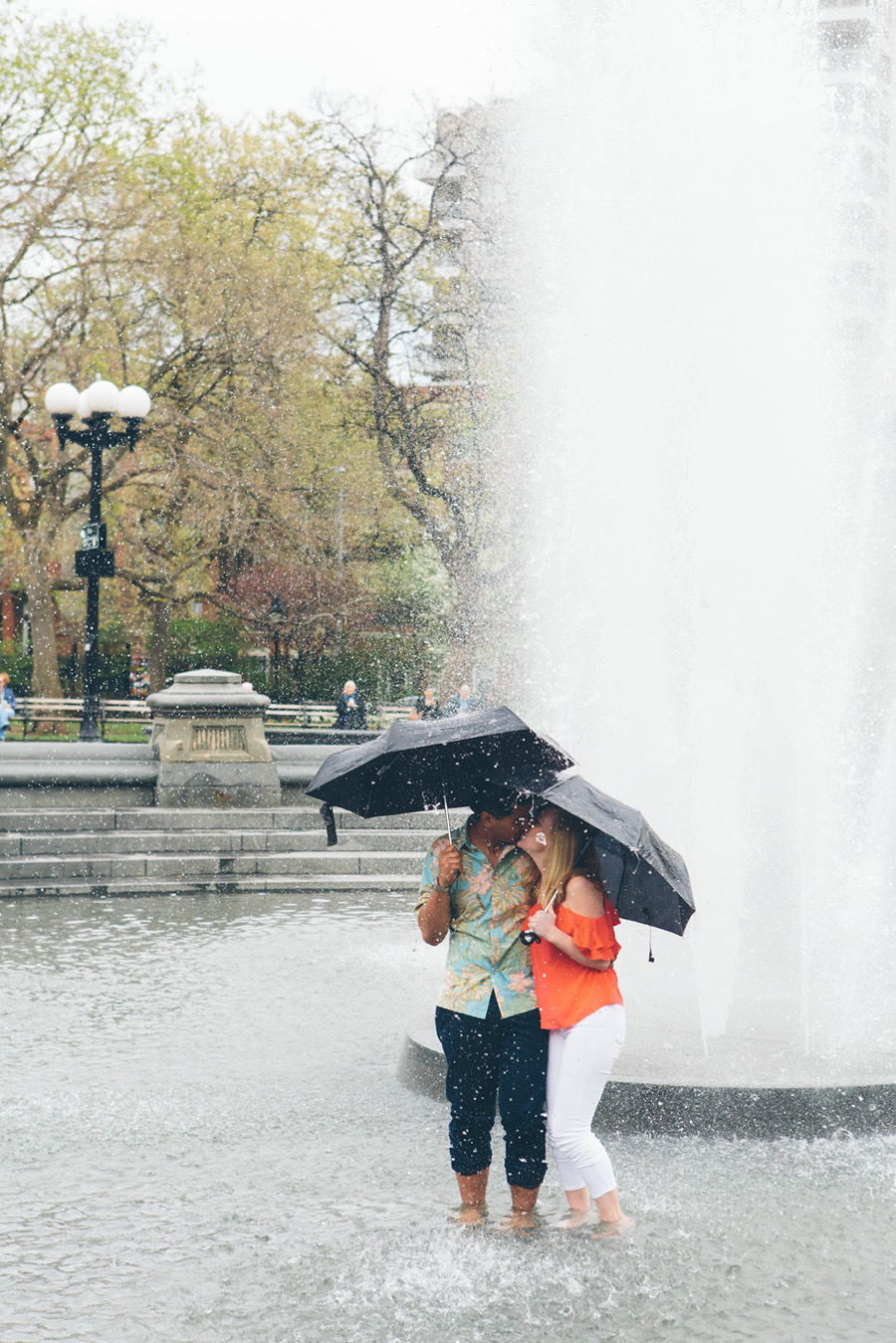 A NYC FRIENDS TV SHOW INSPIRED ENGAGEMENT SESSION AT WASHINGTON SQUARE PARK IN NEW YORK CITY and The High Line