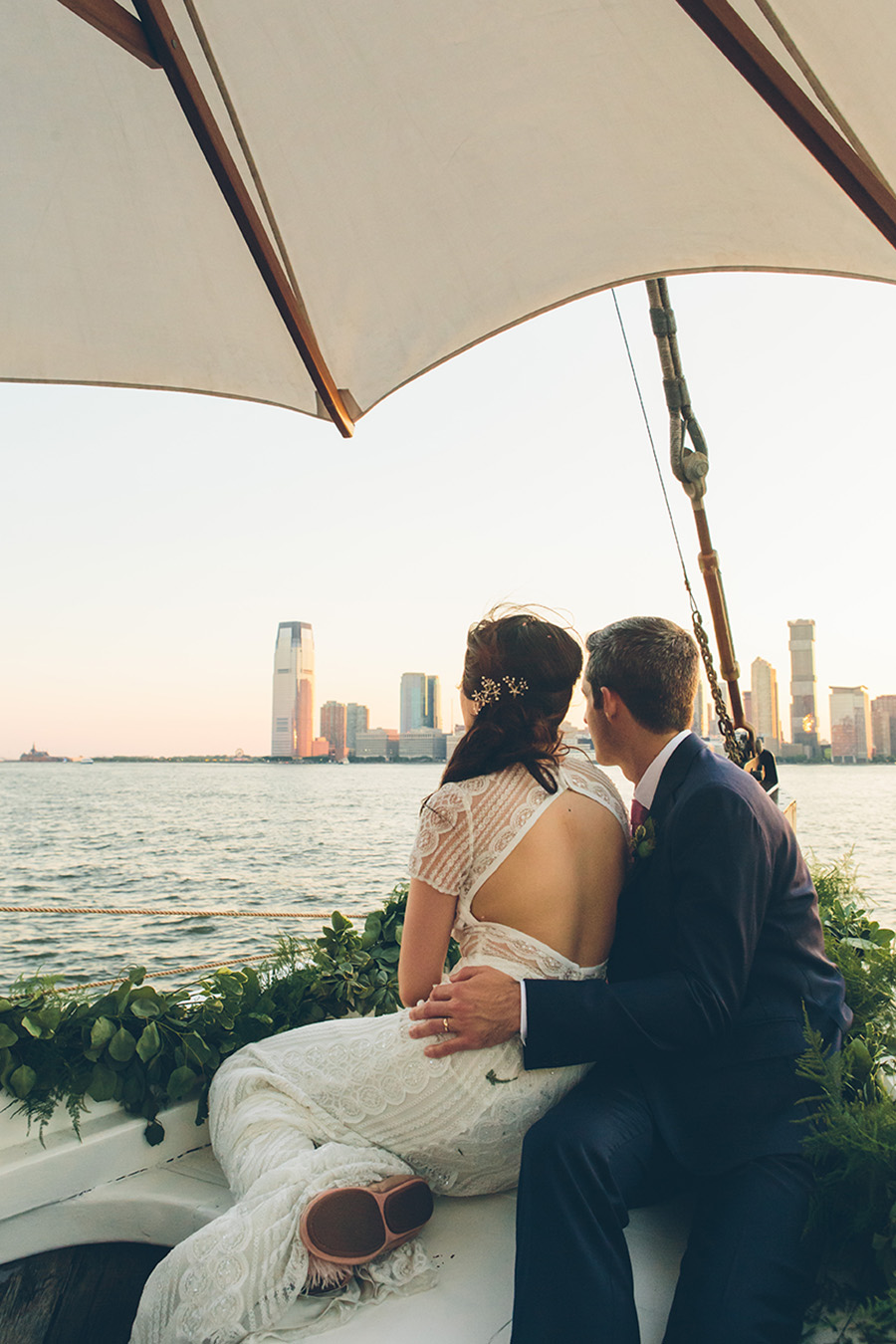 NEW-YORK-CITY-WEDDING-PHOTOGRAPHER-WEST-VILLAGE-GREENWICH-HOTEL-GRAND-BANKS-PIER-0098.jpg