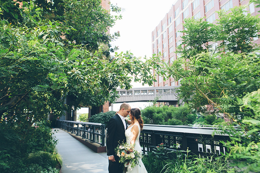 NEW-YORK-CITY-WEDDING-PHOTOGRAPHER-CURRENT-CHELSEAPIERS-THE-HIGHLINE-DREAM-HOTELS-CHELSEA-MANHATTAN-BROOKLYN-WEDDING-PHOTOGRAPHY-0033.jpg