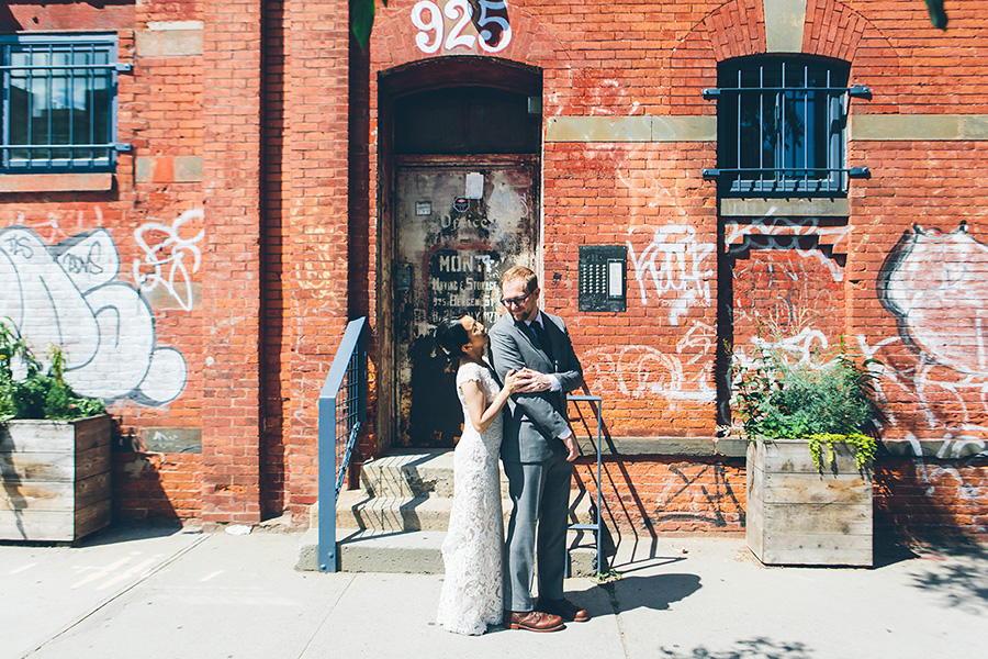 NEW-YORK-CITY-WEDDING-PHOTOGRAPHER-VINEGAR-HILL-HOUSE-INTIMATE-DUMBO-WEDDING-ELOPEMENT-MANHATTAN-BROOKLYN-WEDDING-PHOTOGRAPHY-0130.jpg