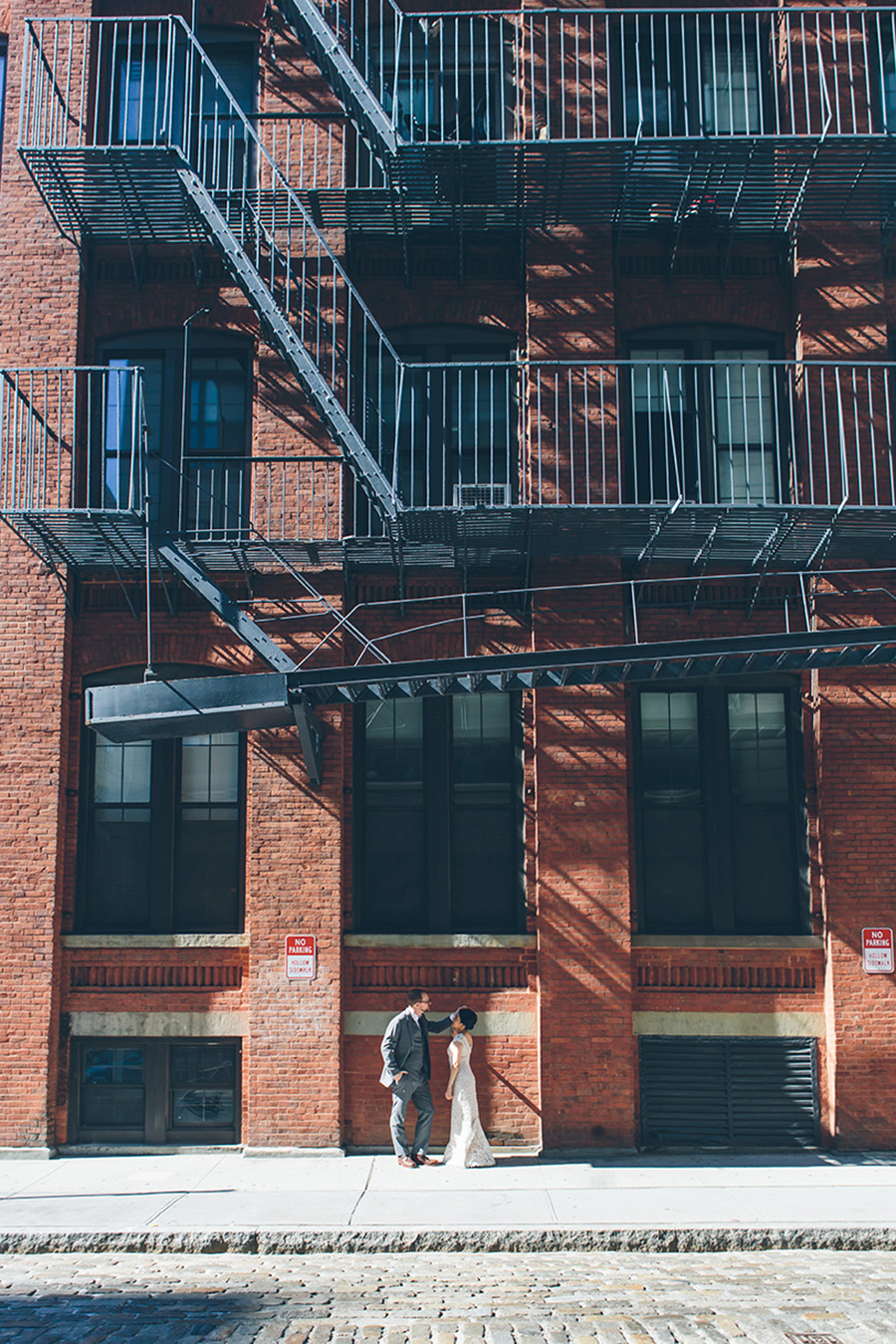 NEW-YORK-CITY-WEDDING-PHOTOGRAPHER-VINEGAR-HILL-HOUSE-INTIMATE-DUMBO-WEDDING-ELOPEMENT-MANHATTAN-BROOKLYN-WEDDING-PHOTOGRAPHY-0014.jpg
