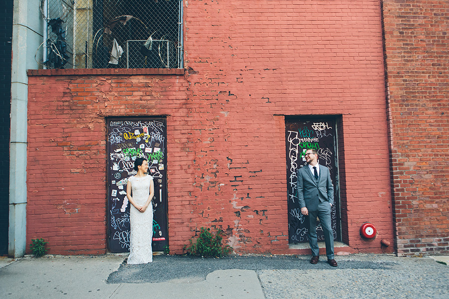 NEW-YORK-CITY-WEDDING-PHOTOGRAPHER-VINEGAR-HILL-HOUSE-INTIMATE-DUMBO-WEDDING-ELOPEMENT-MANHATTAN-BROOKLYN-WEDDING-PHOTOGRAPHY-0020.jpg